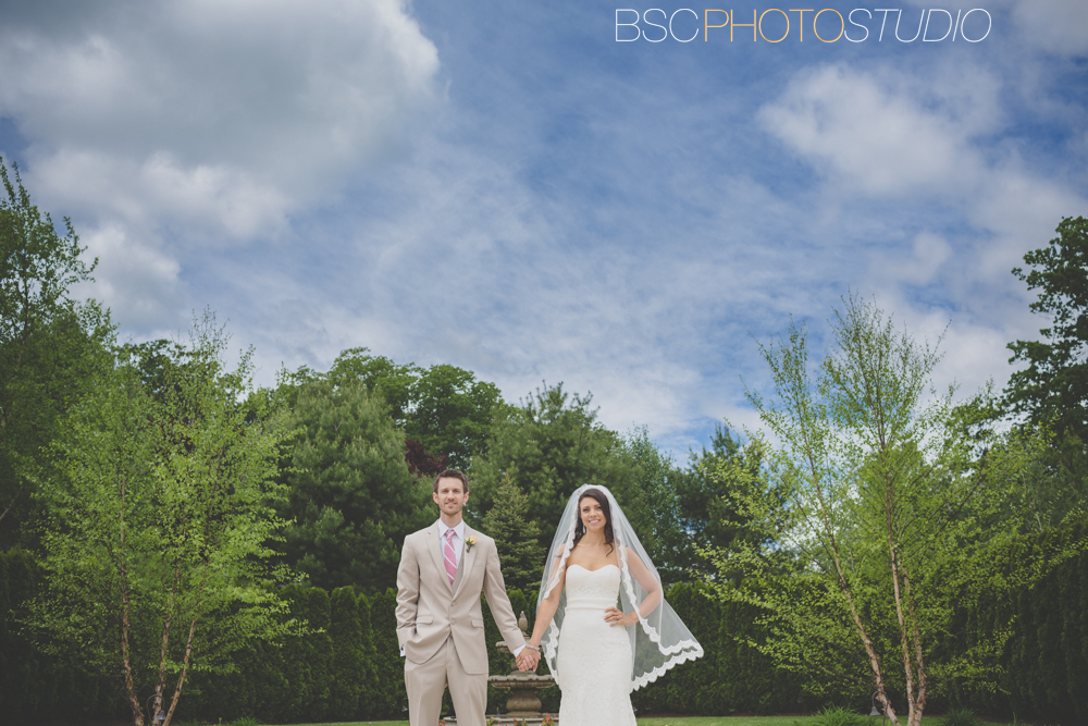 Cool bride and groom wedding photography CT photographer