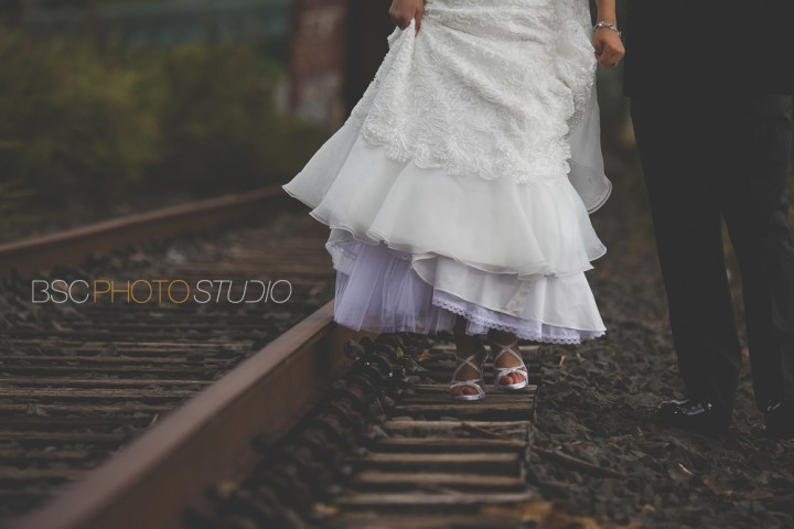 beautiful Modern CT documentary wedding photos at the Shelton Old Train Track Bridge